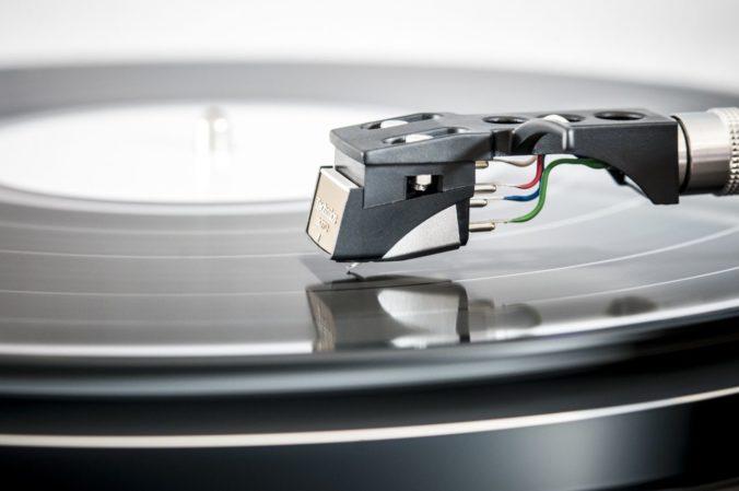 Plattenspielernadel schnell & einfach selber reinigen