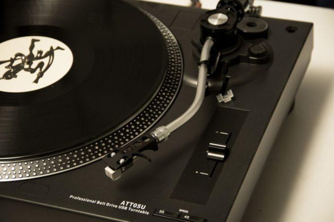 Abspielgeschwindigkeiten von Schallplatten - welche gibt es und welche ist die richtige